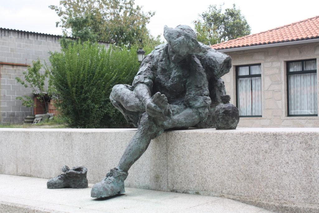 estatua ampollas Camino_Santiago