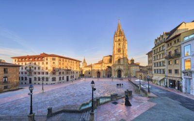 ¿Cuáles son las catedrales más importantes que puedo visitar en mi Camino de Santiago?
